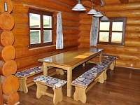 Jídelní stůl - srub k pronajmutí Dolní Orlice - Červená voda