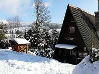 Chata U Zlomené lyže - pohled od cesty - ubytování Čenkovice