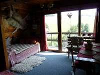 Obytná místnost - válenda - chata ubytování Čenkovice
