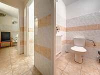 2 x samostatné WC - pronájem apartmánu Kunvald