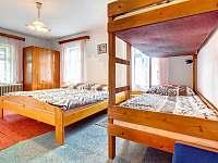 Čtyřlůžkový pokoj - apartmán k pronajmutí Kunvald
