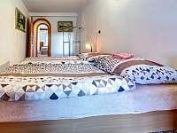 Dvoulůž. pokoj s balkónem - apartmán k pronájmu Kunvald