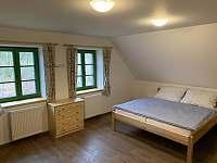 Větší ložnice v podkroví - chalupa k pronájmu Králíky - Dolní Boříkovice