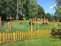 Dětské hřiště 200m od chalupy