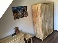 Borovicový horní pokoj - apartmán k pronájmu Říčky v Orlických horách