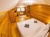 malý pokoj v podkroví - Kunvald