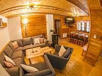obývací pokoj - chalupa k pronajmutí Kunvald