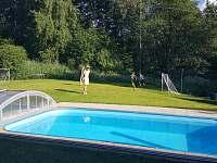 Levné ubytování Bazén Mezilesí Chata k pronajmutí - Pastviny