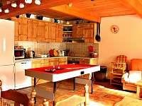kuchyň přízemí - pronájem chalupy Zdobnice