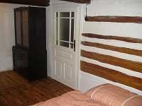 Ložnice č.1  s prostornou skříní k ukládání věcí