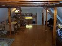 Společenská místnost s kuchyní - 1.patro
