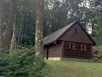 Chaloupka na Novém Hrádku v lese