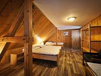 5 lůžkový pokoj v patře - chalupa k pronájmu Zdobnice