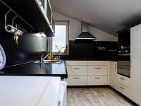 Kuchyně - apartmán k pronájmu Mistrovice