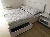 Apartmán SUN Dolní Morava - manželské dvoulůžko s úložným prostorem