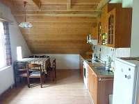 Kuchyně v 1.patře - chalupa k pronajmutí Čenkovice