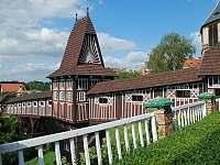 unikátní dřevěný most v zámecké zahradě - Nové Město nad Metují