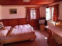 dvoulůžkový pokoj v přízemí - pronájem chalupy Dolní Hedeč