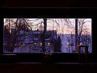 výhled ze společenské místnosti - chalupa k pronájmu Dolní Hedeč