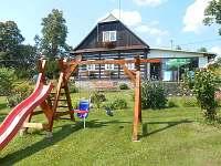 Dětské hřiště - chalupa k pronajmutí Rampuše