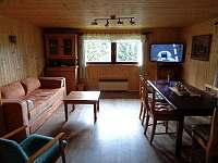 Pohled do společenské místnosti - chata ubytování Čenkovice