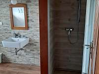 koupelna přízemí - chalupa k pronajmutí Deštné v Orlických horách