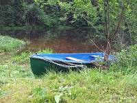 chata s loďkou zdarma