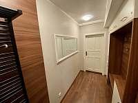 Apartmán pro 5 osob - chodba - pronájem Dolní Morava