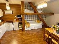 Apartmán pro 5 osob - obývací pokoj s kuchyňským koutem