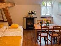 Apartmán pro 5 osob - pohovka pro dvě osoby