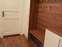 Apartmán pro 5 osob - předsíň - k pronajmutí Dolní Morava