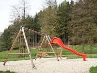 Penzion Hejlův mlýn - dětské hřiště - ubytování Horní Čermná