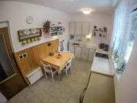 Kuchyň - chalupa k pronájmu Klášterec nad Orlicí