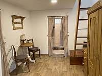 Vstup do koupelny (z obývacího pokoje) - pronájem chaty Pastviny - Lhotka