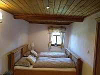 manželská postel - dvojlůžko  horní apartmá