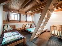 pokoj 3+3 (3 lůžka dole,3 v podkroví) - chalupa ubytování Rokytnice v Orlických horách