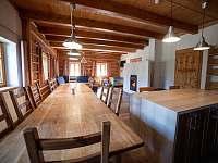 společenská místnost a jídelní část - Rokytnice v Orlických horách