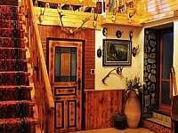 vstup do haly - krbovna - chata k pronajmutí Bušín