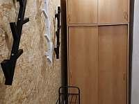 zádveří apartmá - chalupa k pronajmutí Říčky v Orlických horách