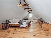 Podkrovni pokoj - Valteřice