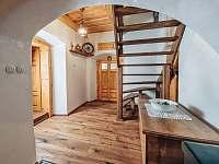 Predsin, schody do 1. patra - Valteřice