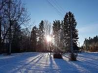 Zahrada v zimě - chalupa k pronájmu Dolní Orlice