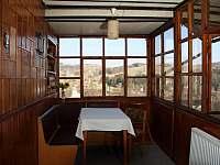veranda s výhledem - chalupa k pronajmutí Pastviny