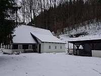 Chata Borůvka - vstup + pergola - k pronájmu Olešnice v Orlických horách