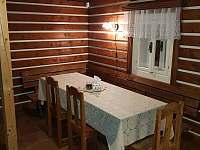 Světnice - stůl s rohovou lavicí - Olešnice v Orlických horách
