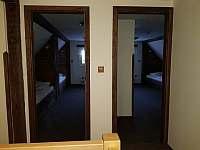 Vstup do dvou menších pokojů v podkroví - Olešnice v Orlických horách