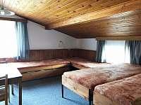 Pokoj 7 v patře