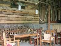 posezení ve stodole
