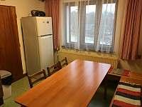 Kuchyň v prvním patře - pronájem chalupy Olešnice v Orlických horách