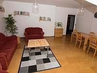 společenská místnost - apartmán ubytování Nekoř